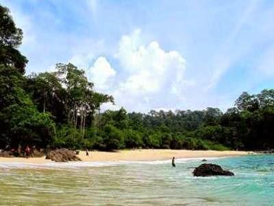 Pantai Paling Unik Di Indonesia