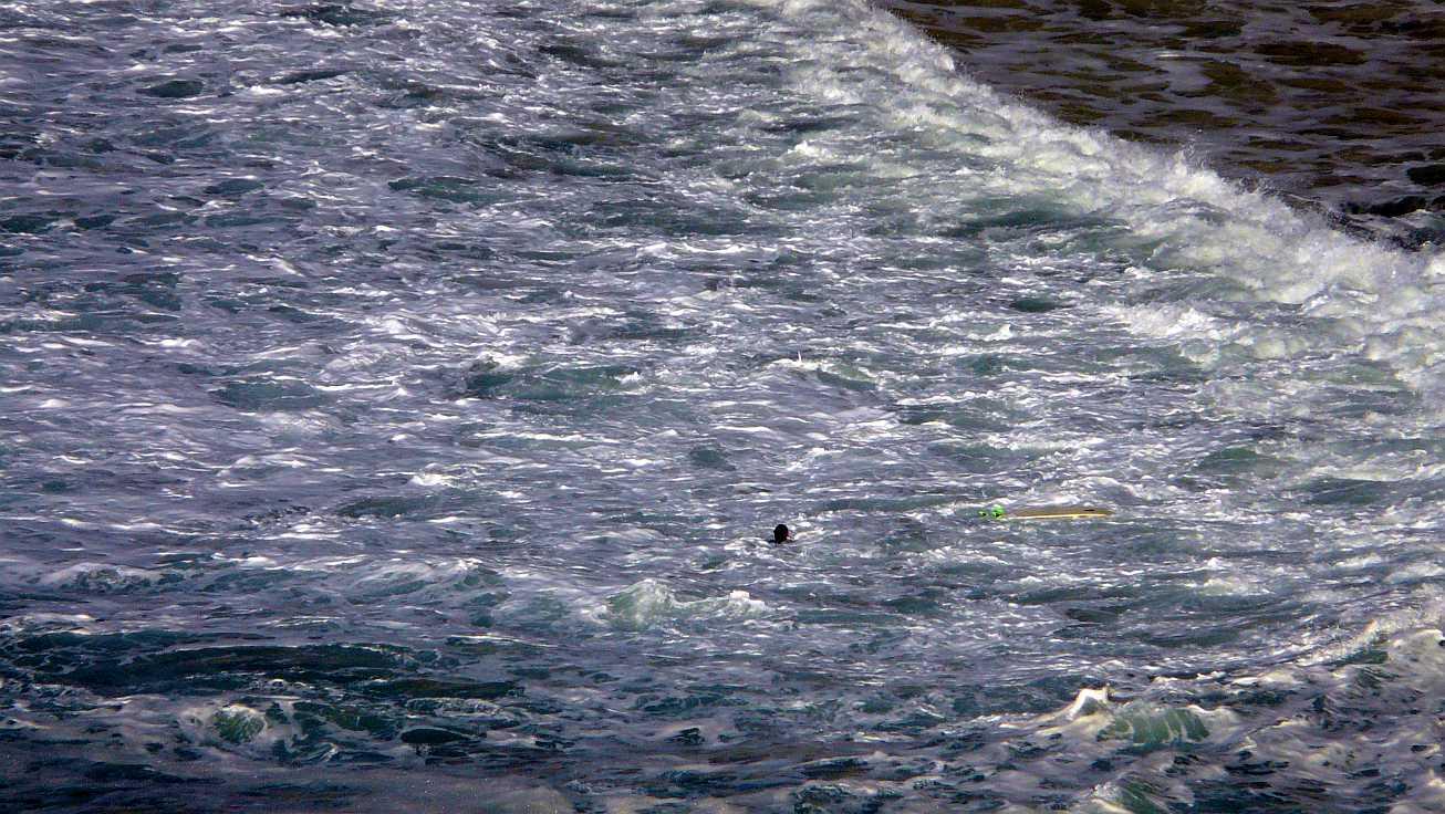 surf olas grandes menakoz 13b