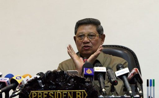 Foto Pak SBY Menirukan Gaya Cherrybelle