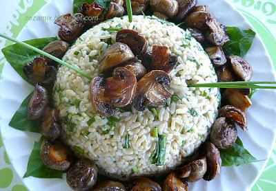 Salata od riže i maslačka sa šampinjonima