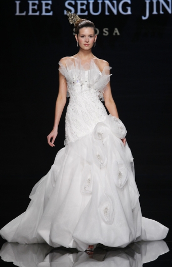 Top 8 Wedding Dress Brands : Famous designers dresses top wedding dress in the world