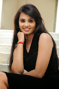 Actress Aarushi Glamorous Photos in Black-thumbnail-1