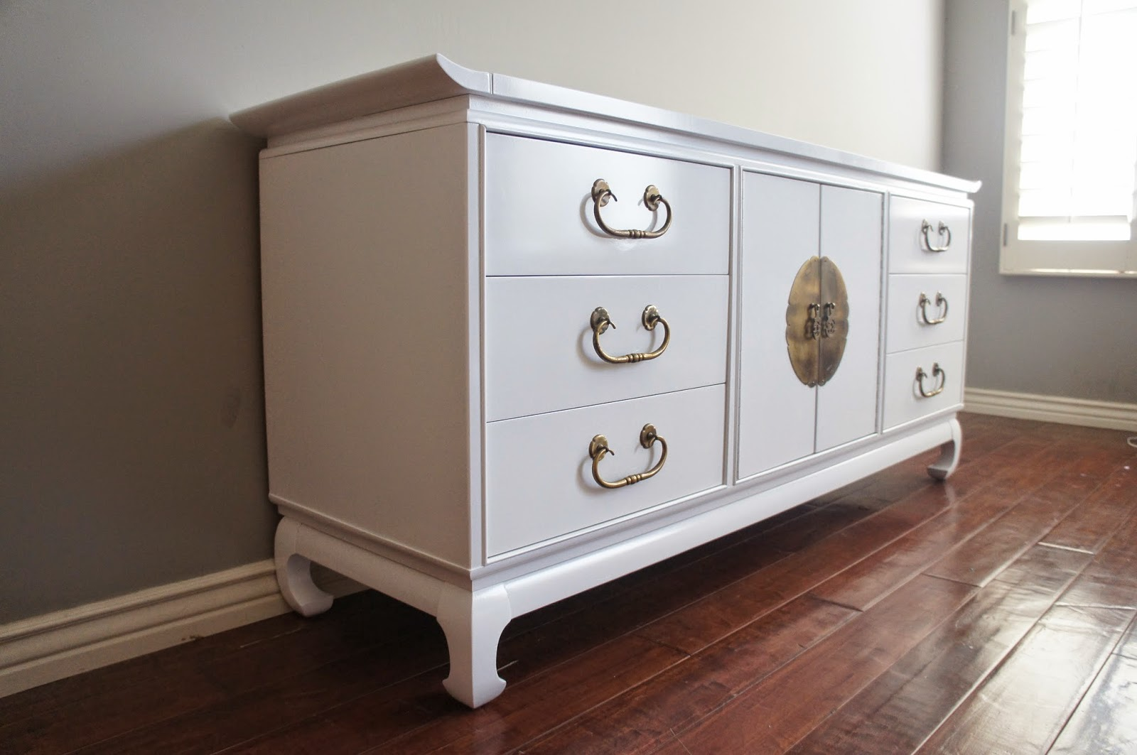 Regency Modern High Gloss White Lacquered Dresser