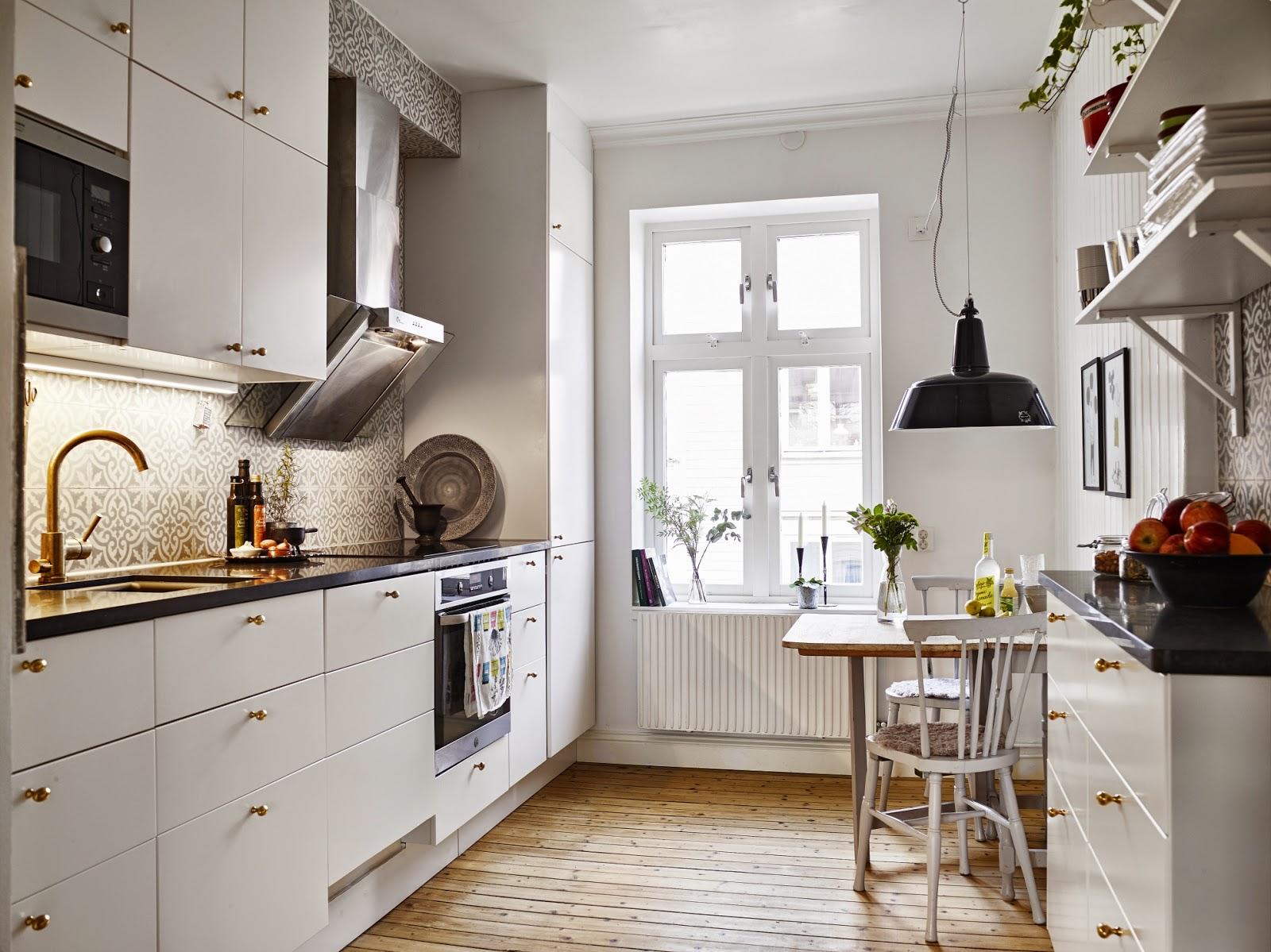 la silla danesa o silla estilo windsor nos tiene enamorados es perfecta para todos los espacios