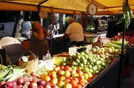Λαική Αγορά...Παρανομίας στη Κυπαρισσία με απίστευτα περιστατικά...