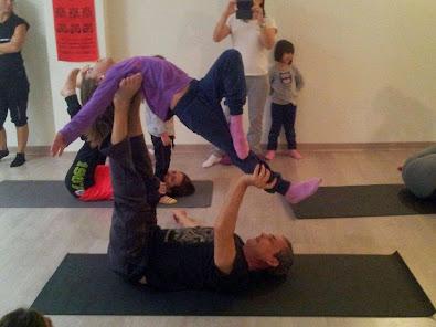 Taller de acro yoga padres y niños