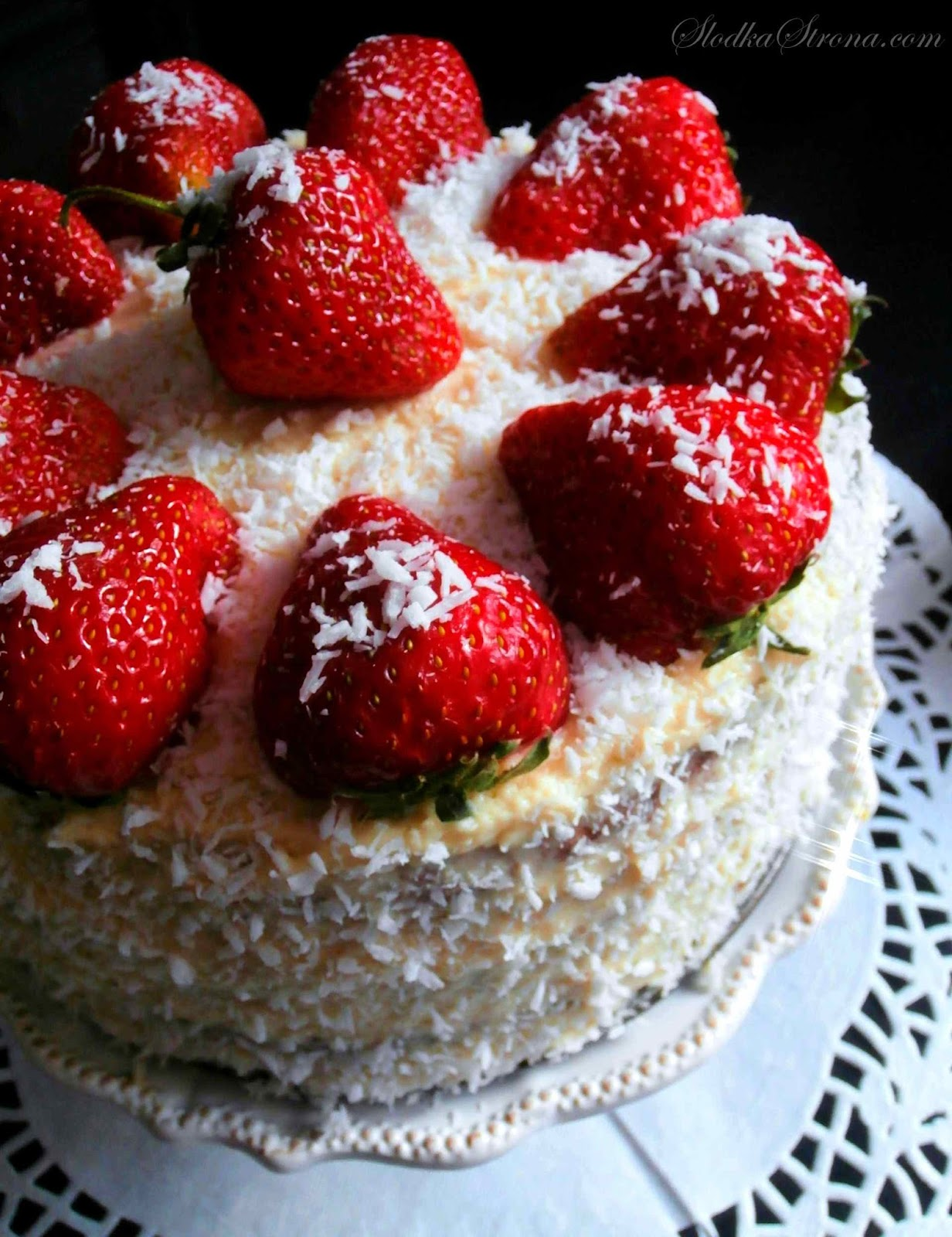 tort z truskawkami przepis