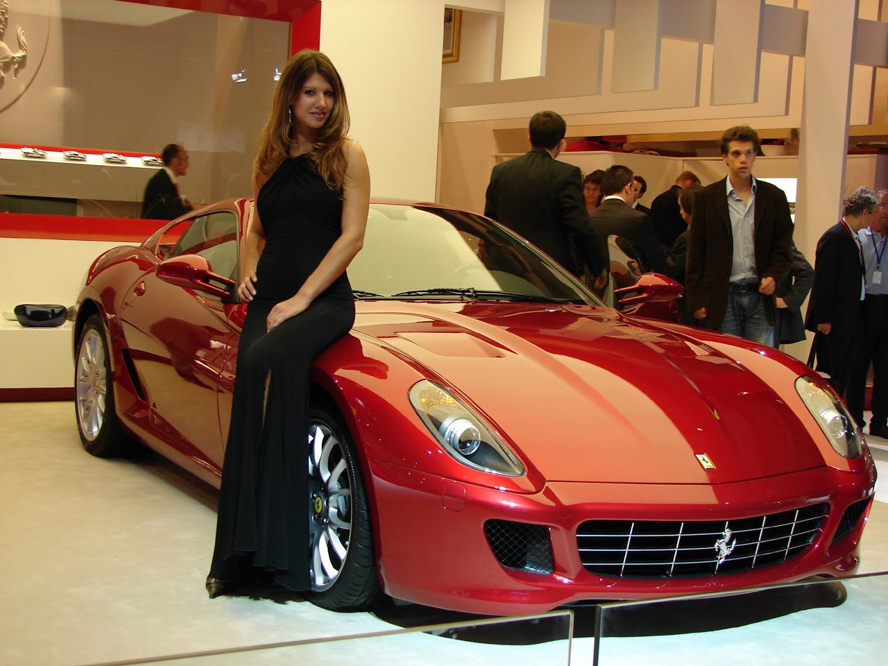 models girls car Ferrari