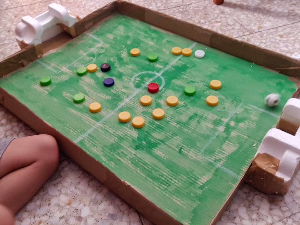Actividades Para Peques Y Papas Manualidades Rapidas Un Futbolin - Manualidades-rapidas