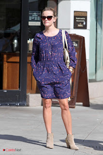 Reese Witherspoon Pictures in Short Dress at Real Food Daily Restaurant  0008