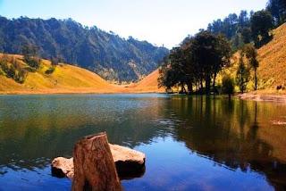 Ranu Kumbolo si Cantik dari Jawa Timur