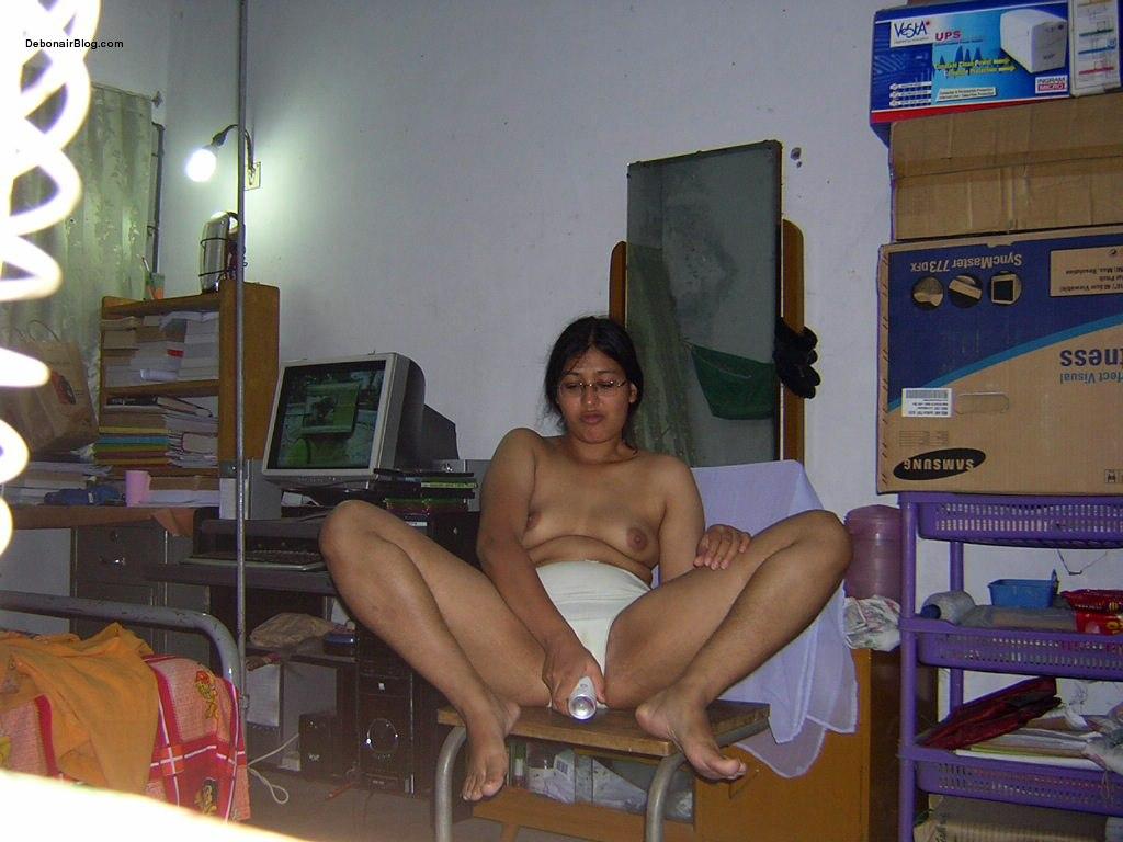 Amateur blonde stocking wife
