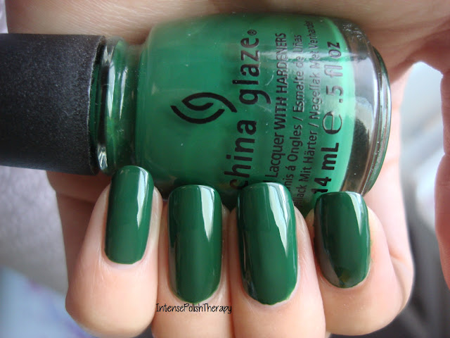 China Glaze - Holly-Day
