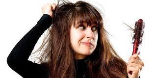 7 Cara Mudah Mengatasi Rambut yang Sering Rontok dengan Cara Alami