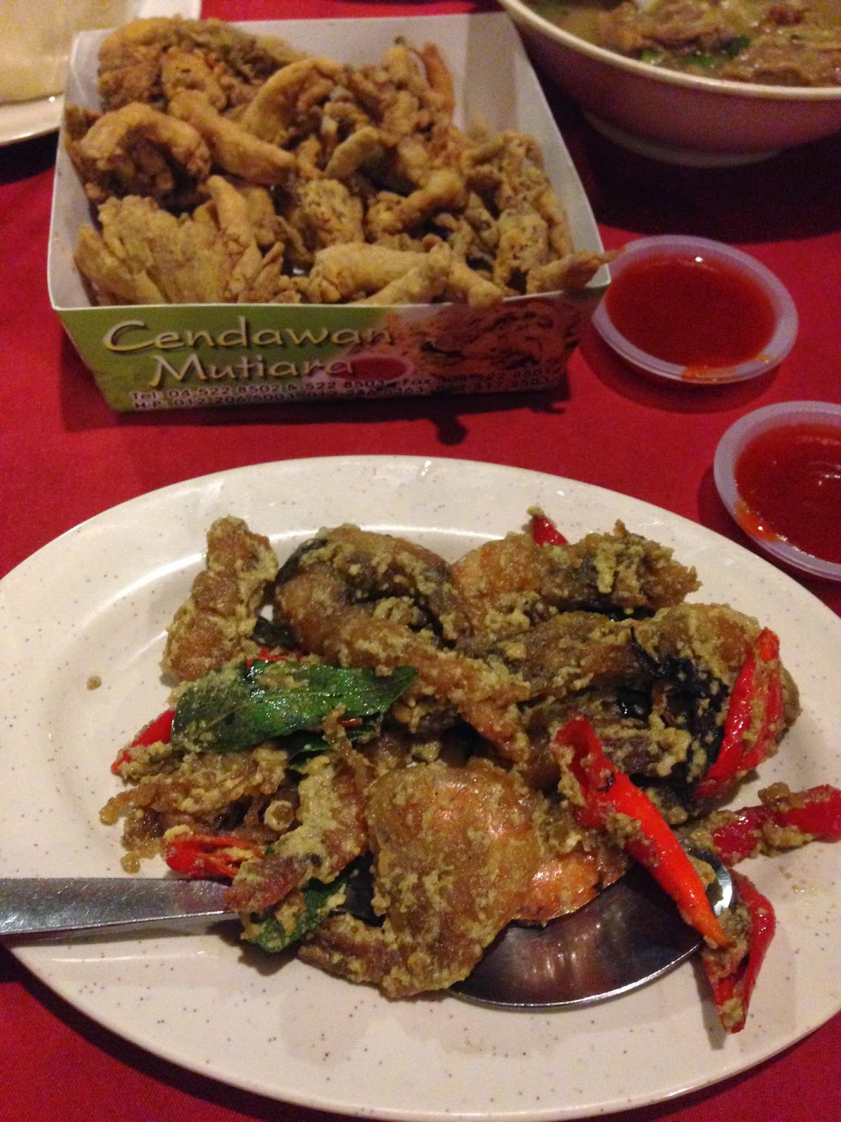 Butter prawn and cendawan mutiara at Puncak Mutiara Cafe