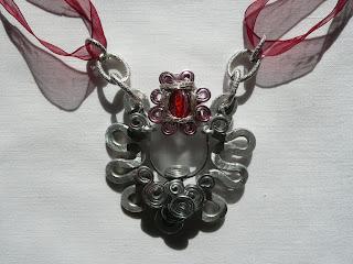 gioielli wire in filo di alluminio, ciondolo, pezzo unico, fatto a mano da Mirna Radovanovic