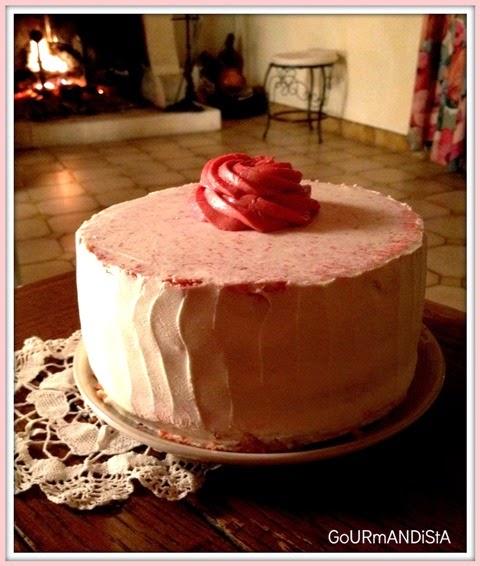 image-Gâteau à étage girly, parfums vanille-fraise