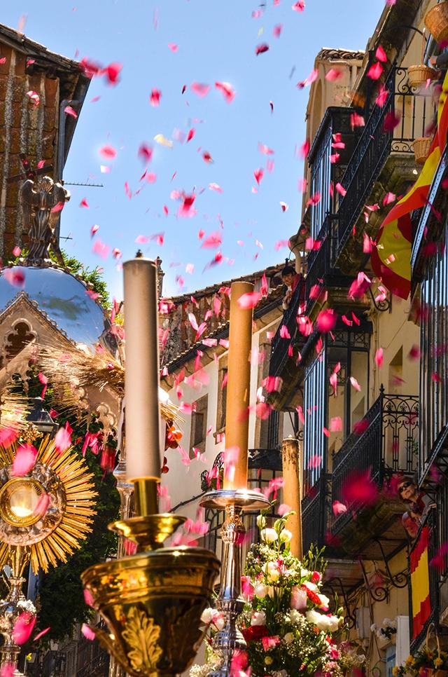 Imagen de santiago nieto, gnadora del concurso de corpus y anunciadora de la fiesta