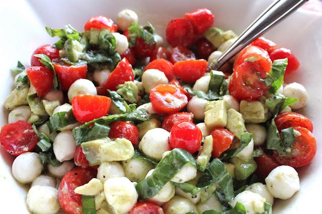 ValSoCal: Mozzarella, Tomato and Avocado Salad ~ Hobby Shobbys