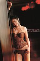 Foto Baby Julia di Majalah Popular
