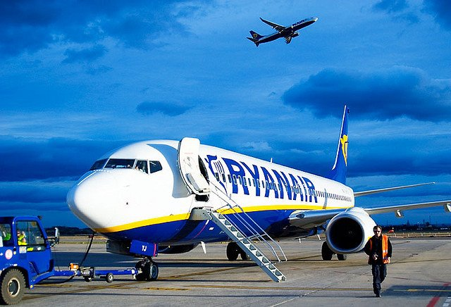wel e to victoriacars blog ryanair a low cost airline  pany at