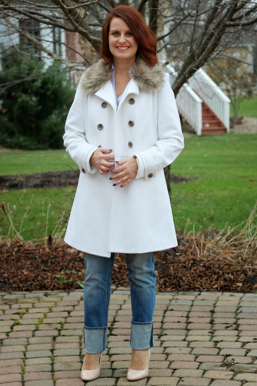 White coat with faux fur collar, lilac blouse, j crew jeans, nude heels, winter look, winter outfit