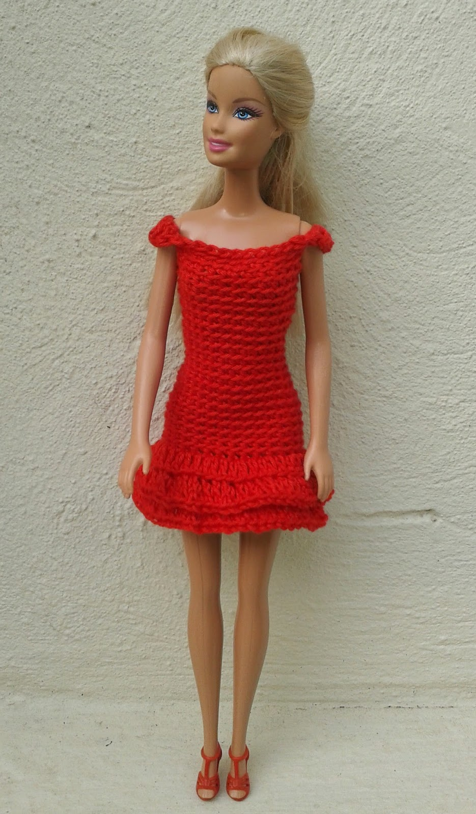 Linmary Knits: Barbie in red - crochet dresses