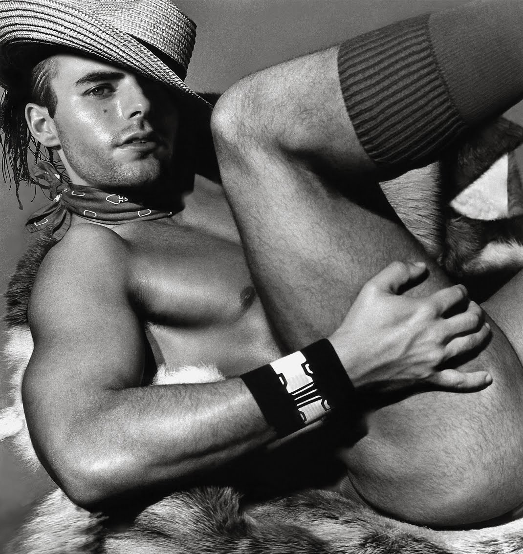 Фото голи мужики 22 фотография