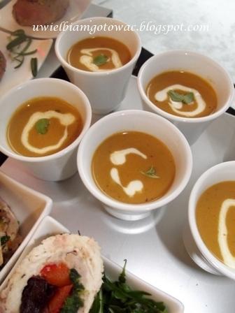 Zupa rakowa (krabowa) z kukurydzianym kremem