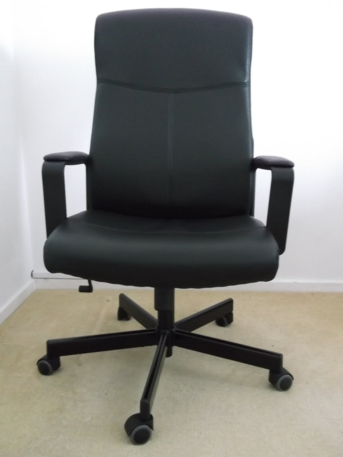 Consumer review ikea office chair review ikea malkolm chair for Ikea office desk chair