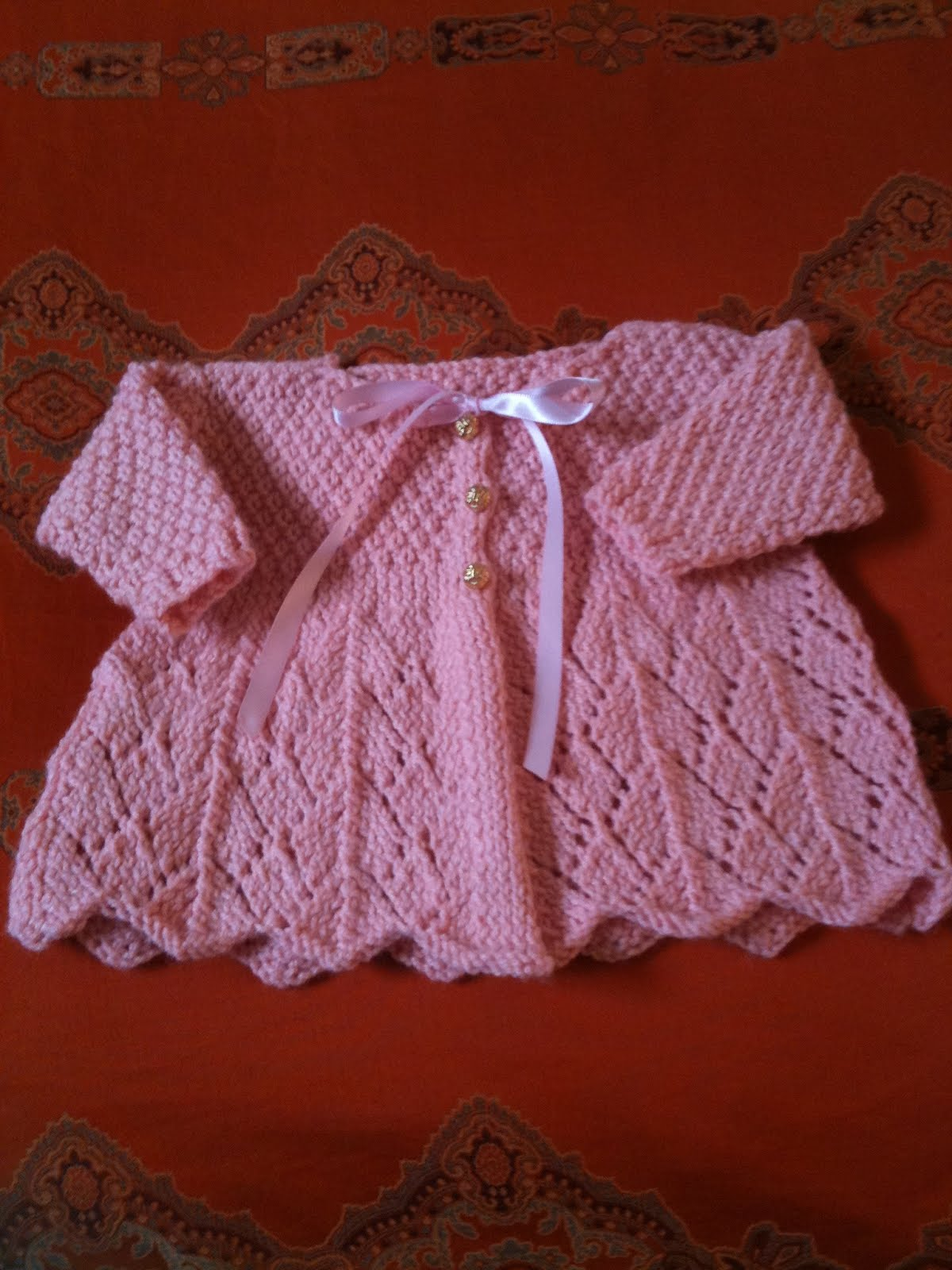 Knitting Pattern Sweater Lace : La Dolce Duchessa: Lace Baby Sweater