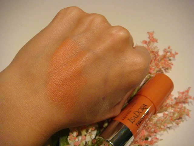 Twist-up Blush and Go Isadora