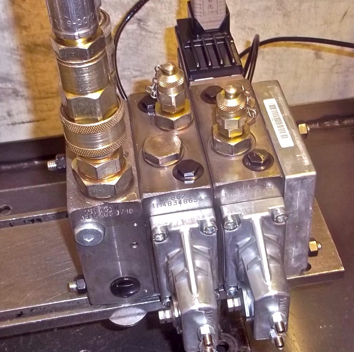 Danfoss PVG32 valve test