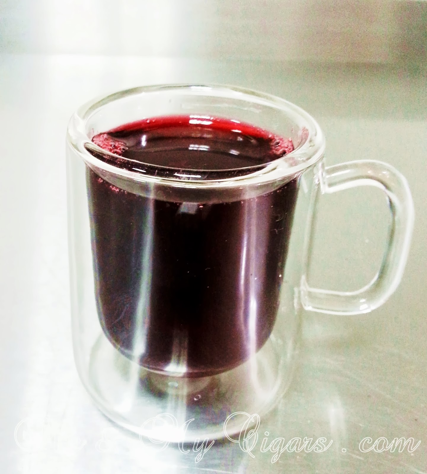 Who can and can not drink karkade