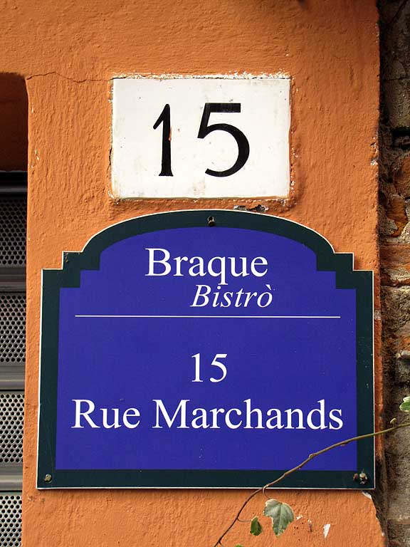 Rue Marchands instead of via Mercanti, Pisa