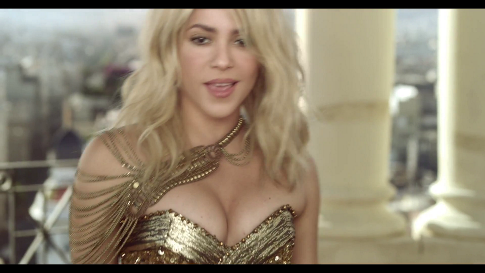 http://4.bp.blogspot.com/-7_t5popBYhY/UBqddeW_RTI/AAAAAAAAKLQ/wPeKTVyCrAY/s1600/Pitbull+-+Get+It+Started+ft.+Shakira.MP4+%252810%2529.png