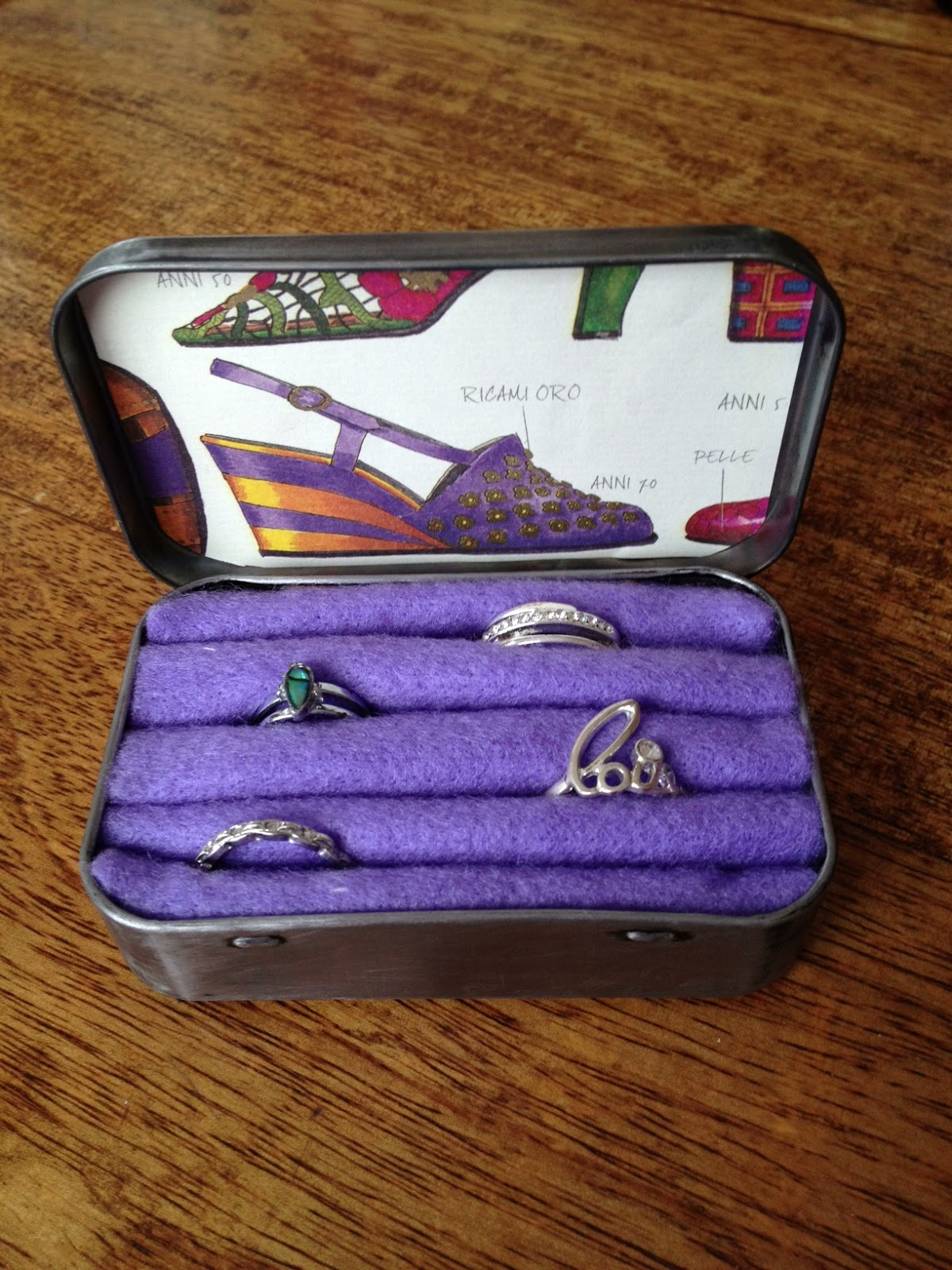 Get creative turn altoid tin into a ring holder for Tin projects