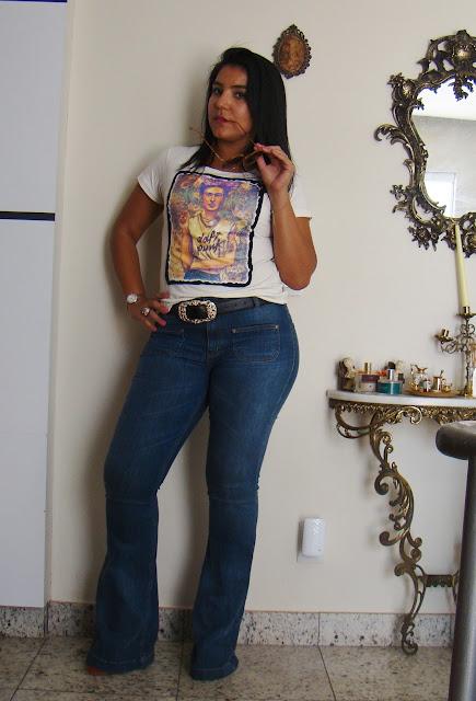 Tshirt Frida Khalo + Calça Flare