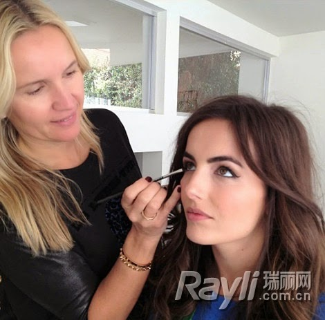 Makeup Artist Taught 5 Steps to Create Red Carpet Makeup Look