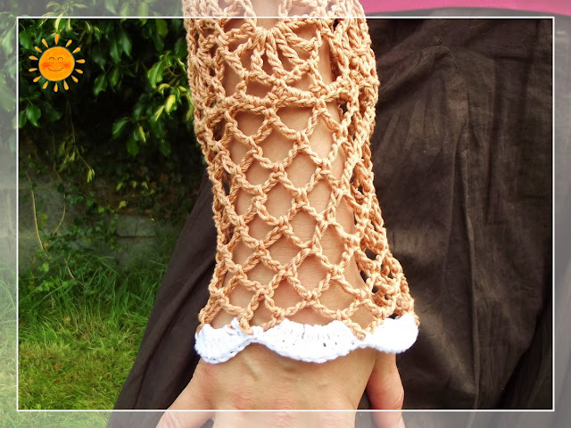 Golden Shrug. sleeve