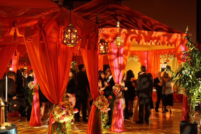 Wedding dance floor ideas belle the magazine for Arabian tent decoration