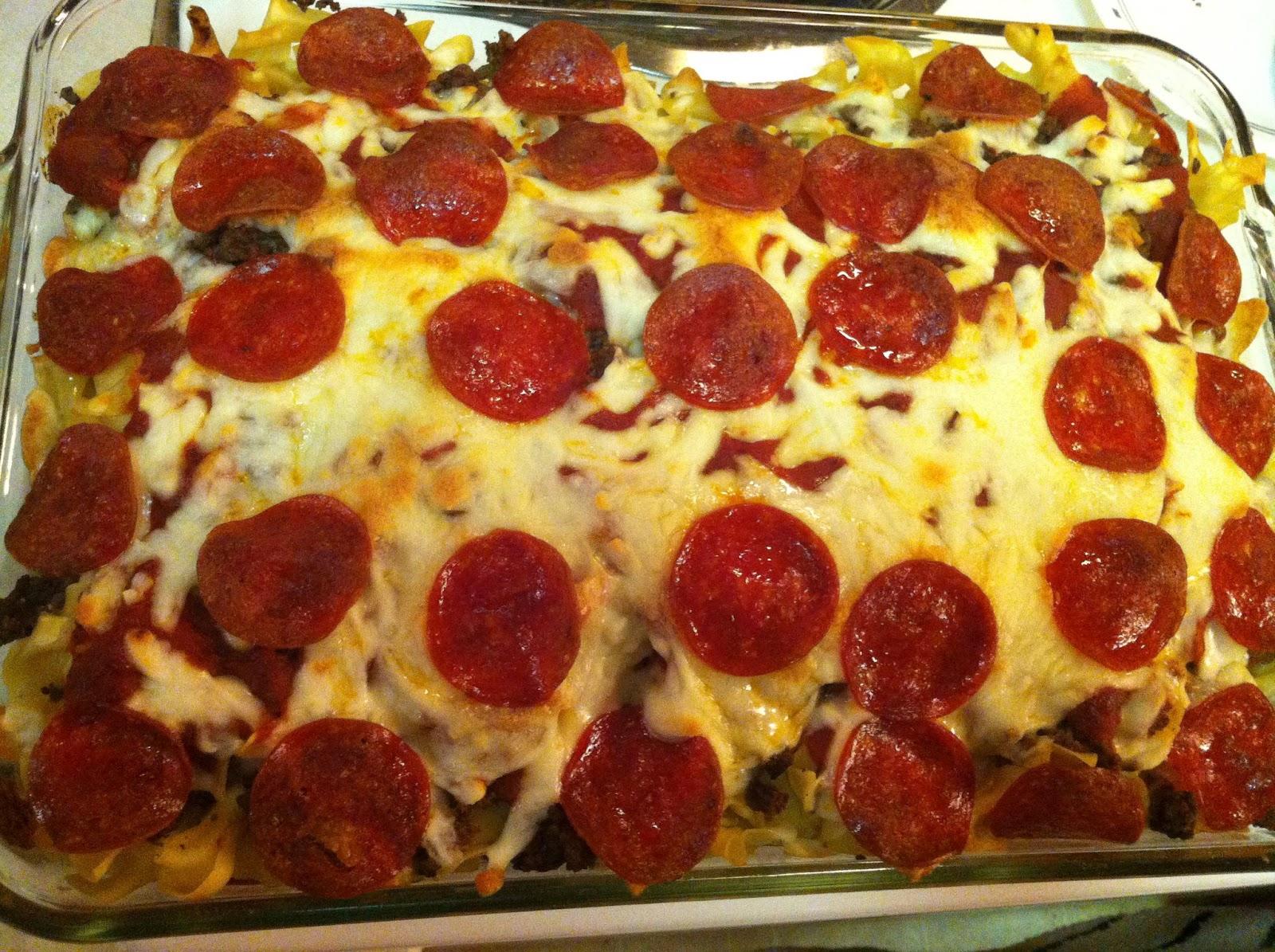 Sparkleeee Mama: Pizza Casserole