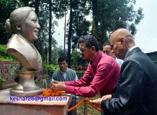 Aruna lama statue - 69 birth anniversary in mungpoo