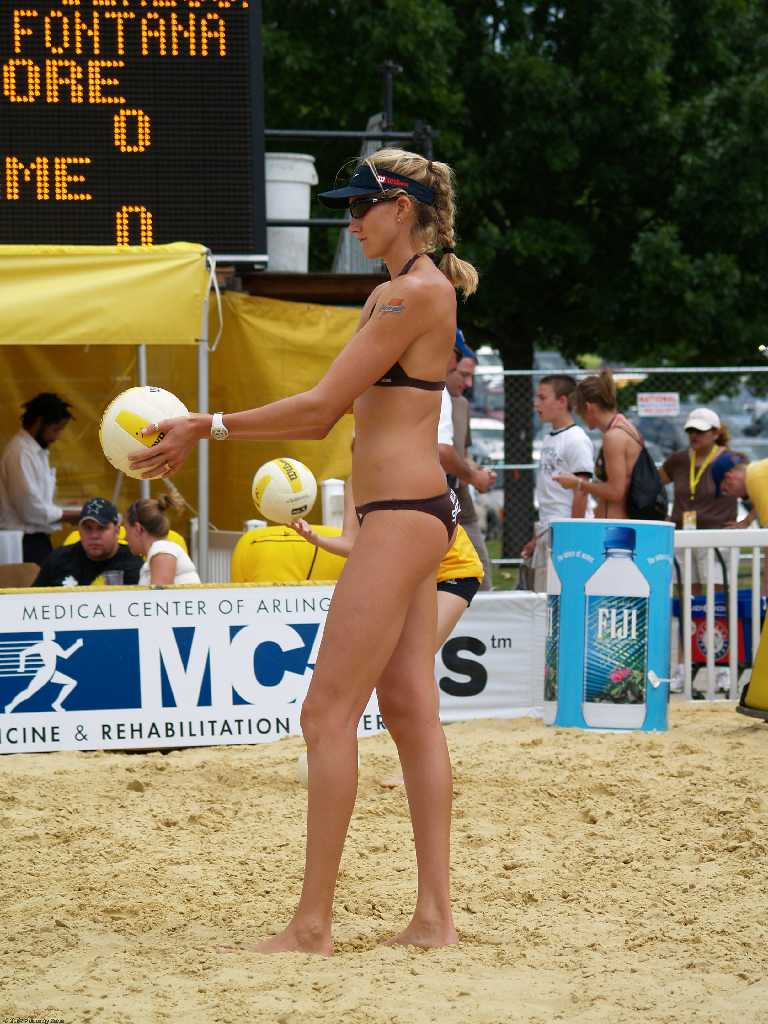 volleyball butts Kerri walsh beach