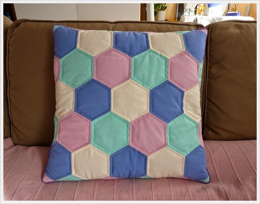 Poduszka z heksagonów