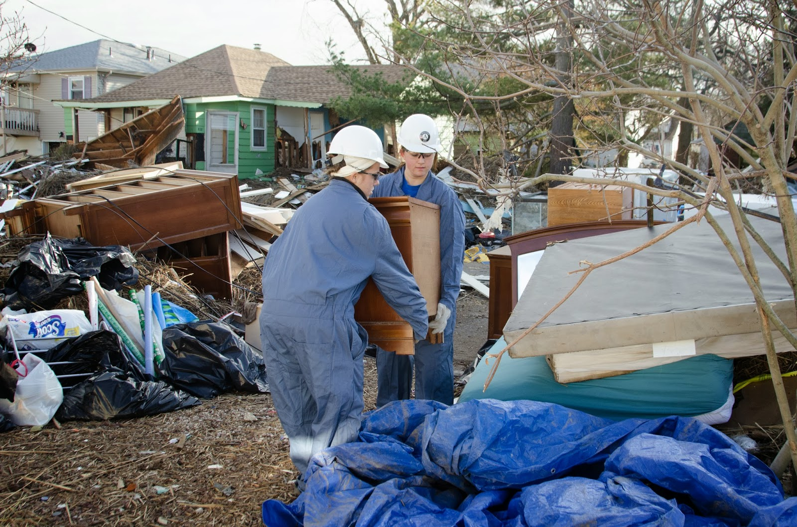 AmeriCorps NCCC members clean up debris after hurricane sandy