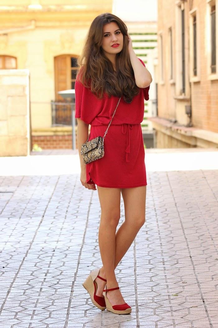 rojo_red_look_outfit_fashion_streetstyle_moda_oysho_vestido_cuñas_rojas_angcupcakes02