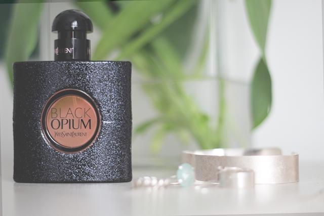 Beauty Review of the new YSL Black Opium Eau de Parfum perfume