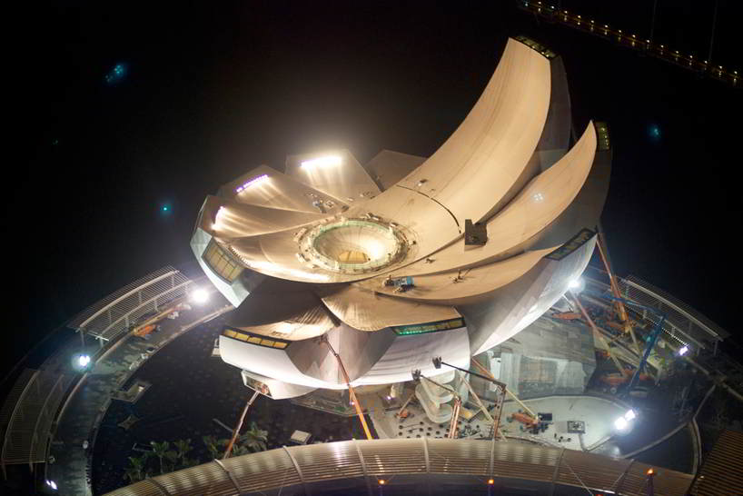 Lotus flower artscience museum in singapore by architect moshe a design resembling an aquatic perennial plant the lotus flower structured into two major parts the base of the artscience museum in buried deep into the mightylinksfo