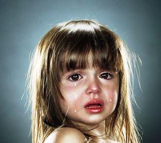Растления и изнасилования детей - это ужасающие явления, с которыми, к сожалению, приходится сталкиваться всё чаще и чаще. В борьбе с этим злом родители и дети зачастую остаются практически без помощи:      Власть имущих интересует вывоз денег за рубеж и борьба с экстремизмом, им нет дела до искалеченных детских жизней.      Правоохранительные органы как всегда борются лишь со следствием, а не причиной, да и то, без указки сверху они зачастую оставляют эти преступления без внимания.